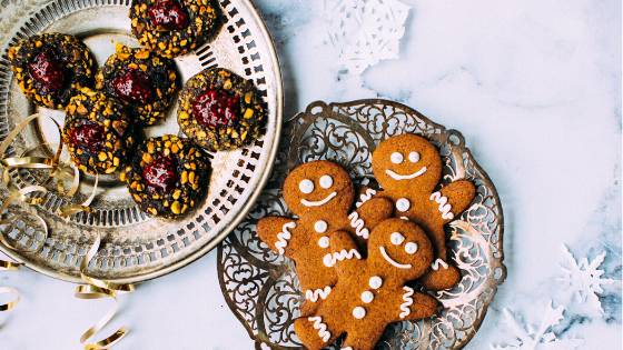 14 Hacks to Avoid Gaining 10 Pounds Over the Holidays